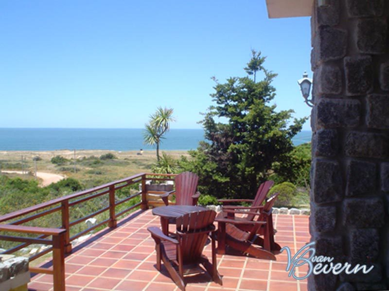 House with view of bay of Punta - PBH031