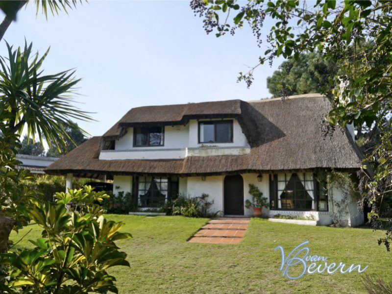 Thatched-roof house on 10,800 sqft of land - PEH216