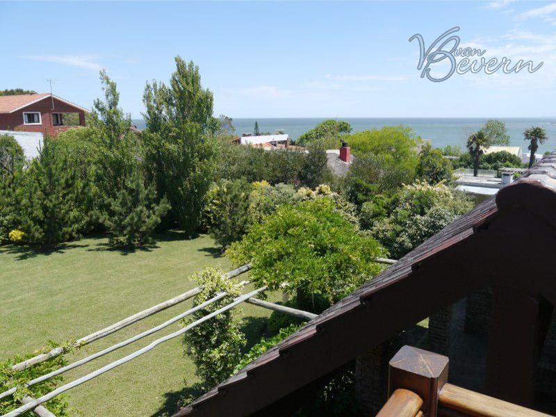 Well-maintained property in Punta Colorada - PCH322