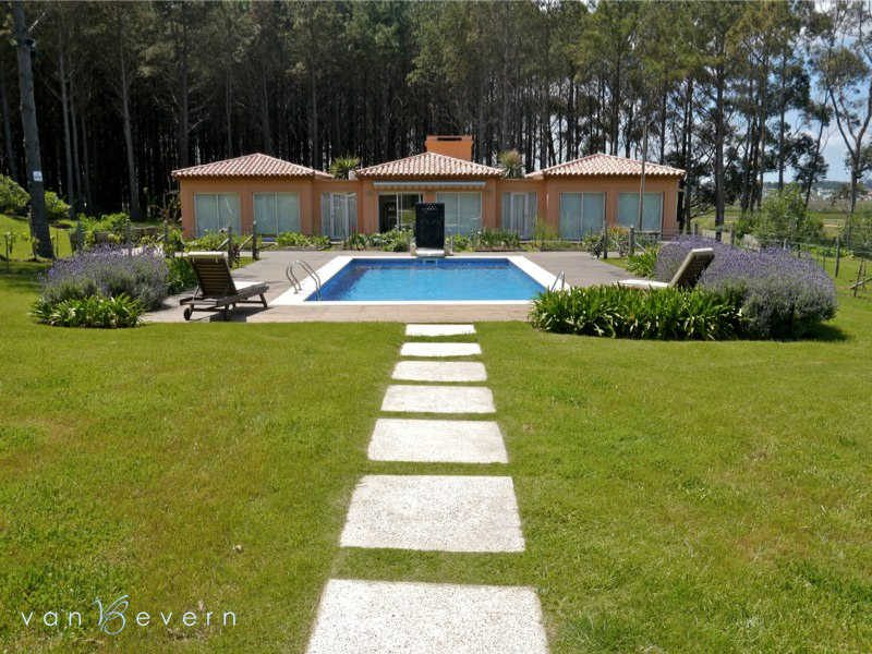 Exclusive chacra with lake view - PEC437