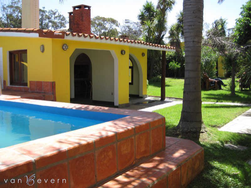 Atlántida: Large property near the beach - ATH720