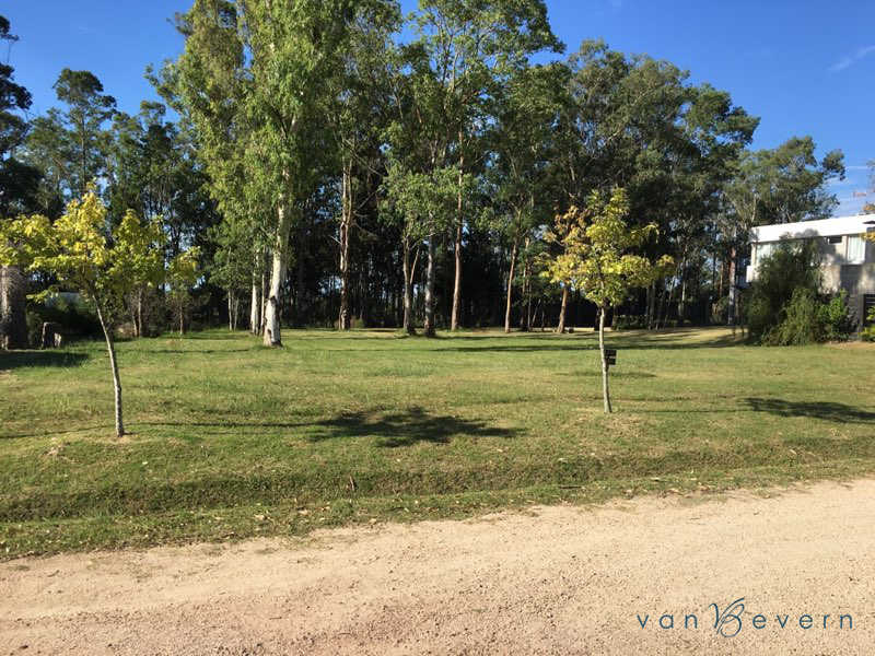 Building lot in gated community near Montevideo - PDB728