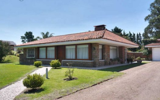 Well-maintained property in the beach town of Solís - SOH504