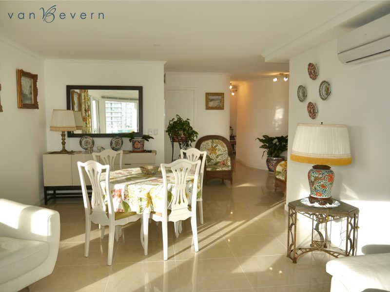 1,500 sqft apartment with sea view and view of Isla Gorriti - PEA635