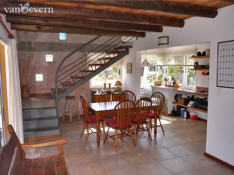 Beautiful property with guest house in Punta Colorada - PCH813