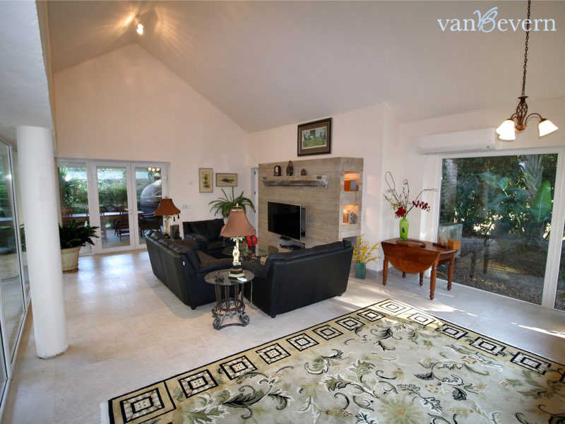 Beautiful house in privileged location in Punta del Este - PEH817