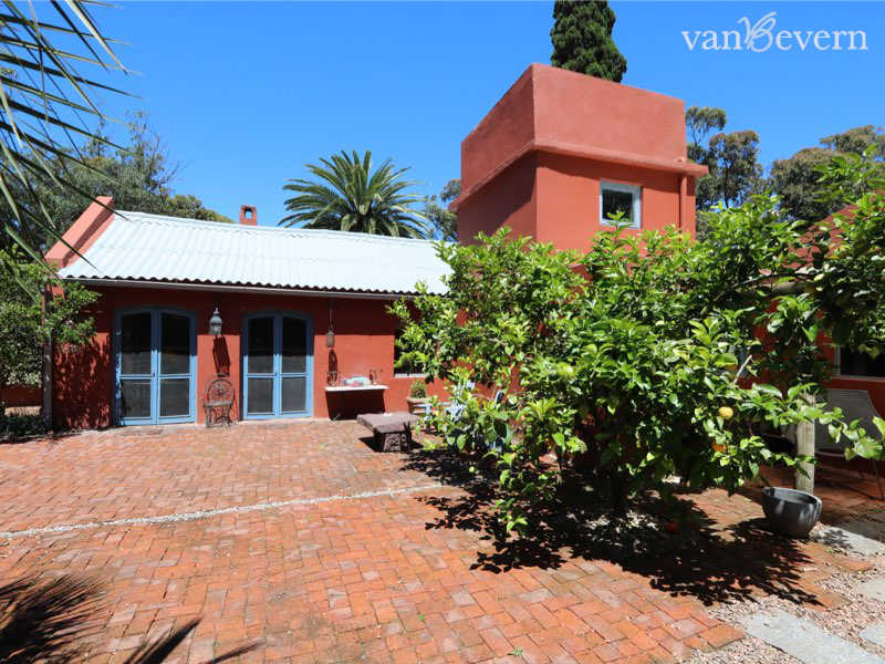 Beautiful historic house in La Barra - LBH833