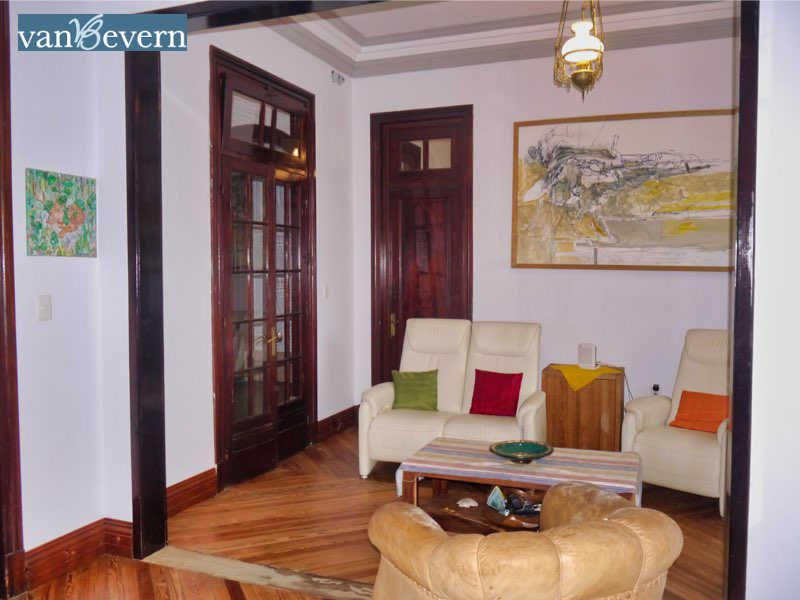 Small vintage house in central Montevideo - MVH917