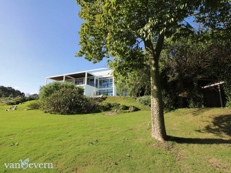 Modern house with sea view in Punta Ballena - PBH921