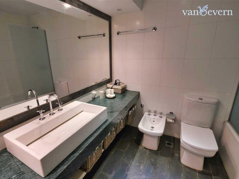 Modernes Apartment mit Meerblick in Punta Ballena – PBA930
