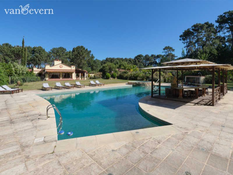 Elegant 3.7 acres property, close to the beach in Punta del Este - PEH931