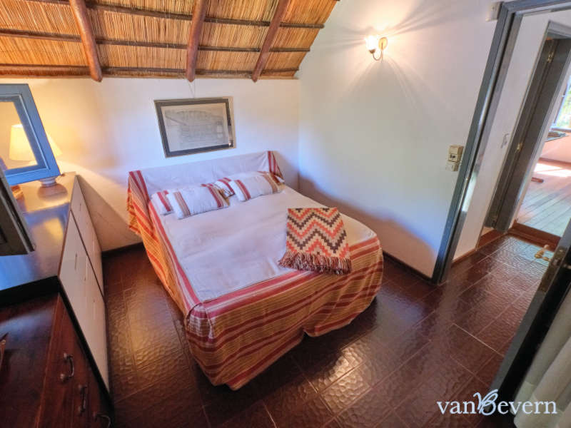Cozy thatched-roof house in central but quiet location - PEH932