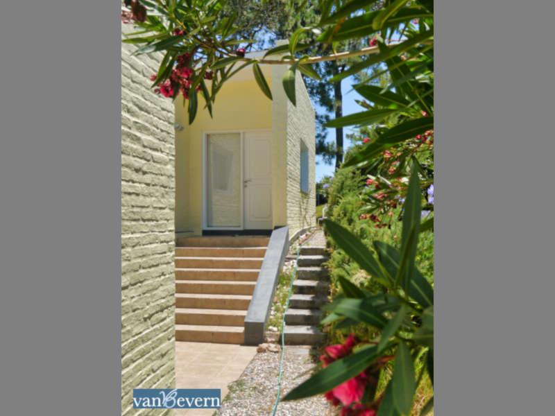 Großes Einfamilienhaus in zentraler, strandnaher Lage in San Rafael - PEH008