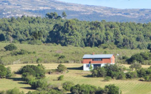 House on 15 acres of land at foot of Maldonado mountains - PAC010