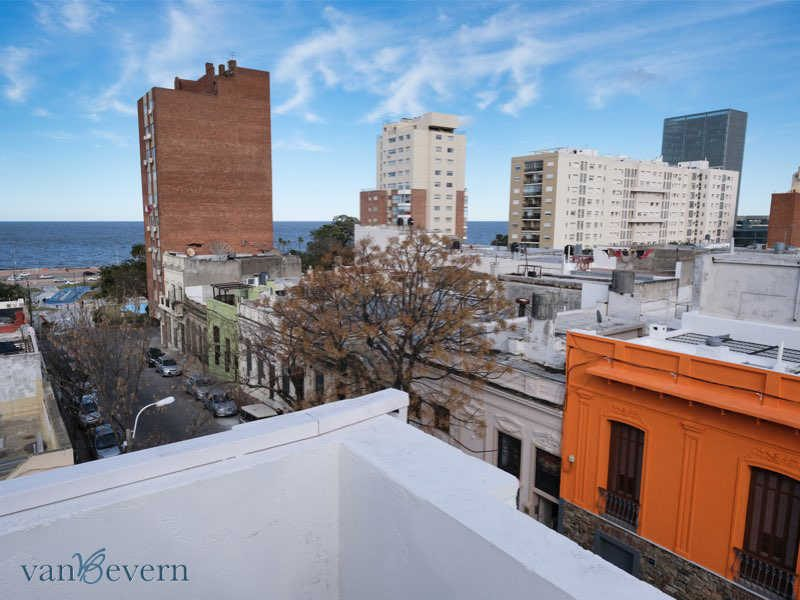 Lovely apartment building in Montevideo, built in 1924 - MVI012