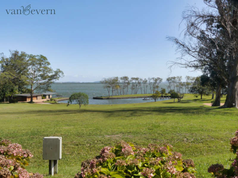 Building lot in a lakeside gated community - LSB013