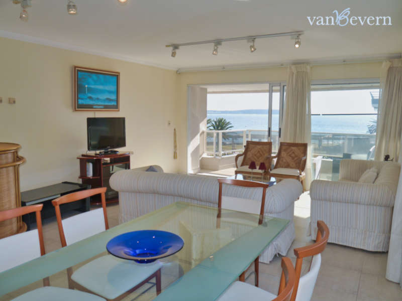 Three-bedroom apartment with view of the marina - PEA021